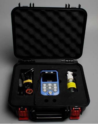 Rango de medición: P-E 0.65-400.0 mm E-E 3.00-25.0 mm Opción de ajuste de rango, ganancia, retardo, blanco de la compuerta y E-Blank