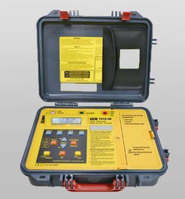 Voltaje de prueba de 500Vdc a 15kVdc Ajustable en pasos de 500V Precisión ± (5% rdg + 5dgt) Batería recargable Cables (AL-58, AL-30AG, AL-30HB)