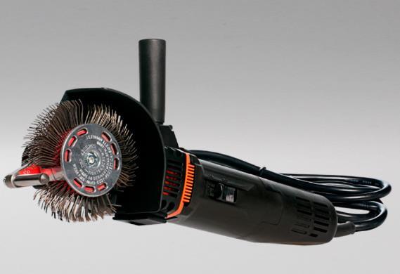 Herramienta de cerdas rotativas para la eliminacion de la corrosión y obtener un perfil de anclaje. Capacidad de rugosidad de 1.6-4.7 mils. Opera a 3