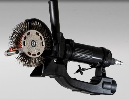 Diseñada para lograr la eliminación de la corrosión y obtener un perfil de anclaje. Presión de flujo requerida 6.2 bar | 90 psi. Consumo medio de