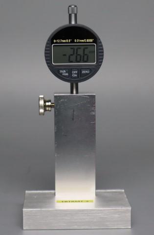 Mide el espesor de la señalización del pavimento Max. Ancho de medición 160mm Max. Altura de medición 8.5mm Exactitud de medición 0.02mm Peso 1.2