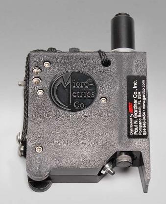 Para la inspeccion y medicion de espesor de pelicula seca de capas simples o multiples sobre cualquier sustrato y para la observacion microscopica