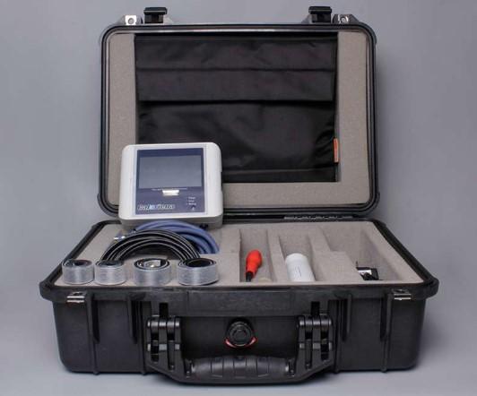 """Diámetros DN25-DN300 (1""""-12"""") Mide temperaturas de forma no intrusiva. Funciona con baterías o conectado a la red Material de la tubería Acero"""