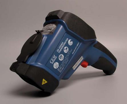 Termómetro Infrarrojo -50 a 2200 ºC Modelo DT9862 Marca CEM. Rango de Termopar tipo K - no incluido -50°C a 1370°C. Tarjeta memoria Micro SD. Punt