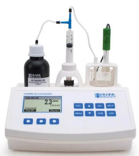 Analiza el dióxido de azufre libre o total (SO2) en el vino. Intervalo bajo: 1.0 a 40.0 ppm de SO2; alto: 30 a 400 ppm de SO2. Resolución 0.1 ppm; a