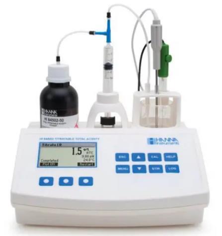Mide el principal ácido en el vino, el tartárico. Intervalo bajo: 0.1 a 5.0 g/L. Alto: 4.0 a 25.0 g/L. +/- 0.1 g/L (ppt) El electrodo de pH de PTFE